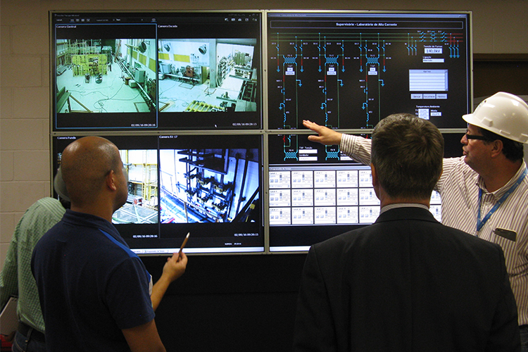 Fraunhofer IWES contributes to a new smart grid laboratory in Brazil